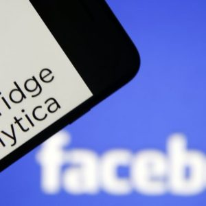 cambridge-analytica-facebook